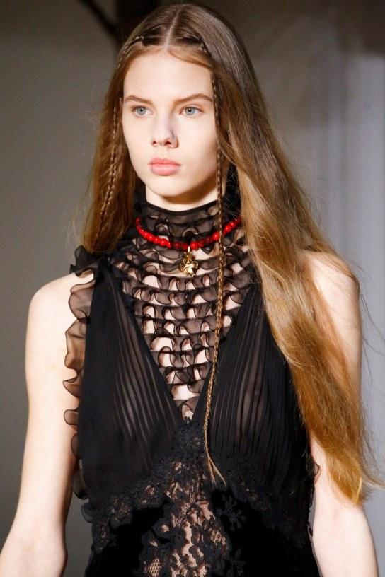 03-valentino-braids