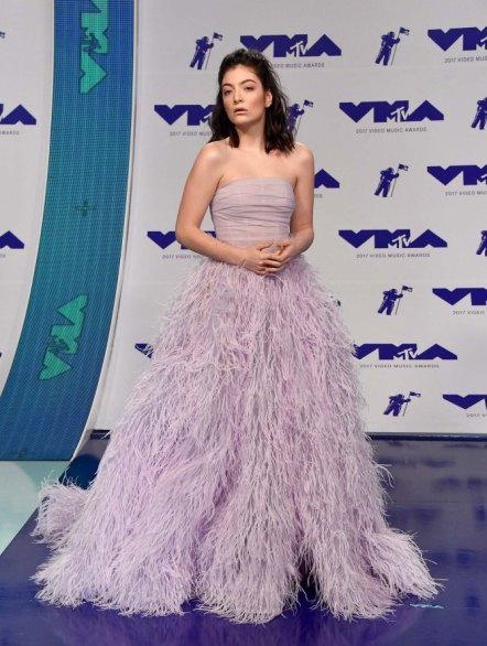 INGLEWOOD, CA - AUGUST 27: Lorde attends the 2017 MTV Video Music Awards at The Forum on August 27, 2017 in Inglewood, California. (Photo by Frazer Harrison/Getty Images)